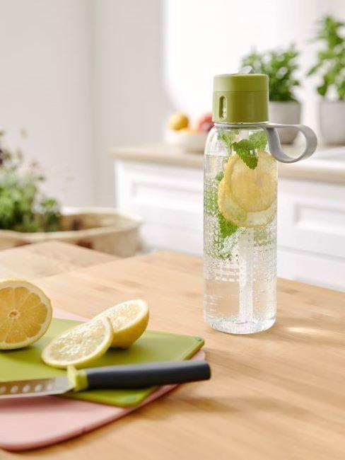 acqua detox limone