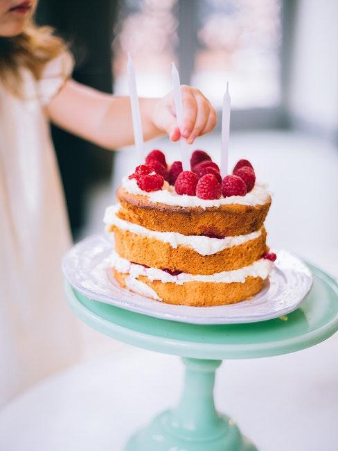 torta con tre candeline