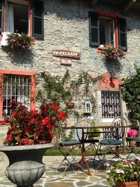 piccolo borgo laghi italiani