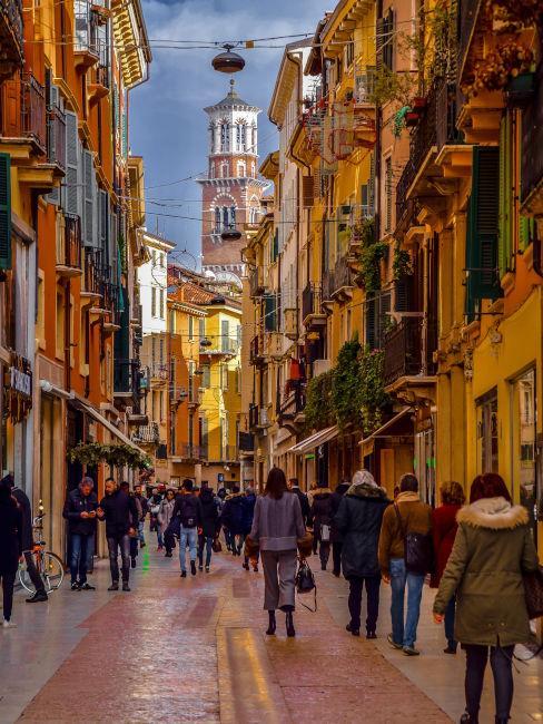 Via principale a Verona