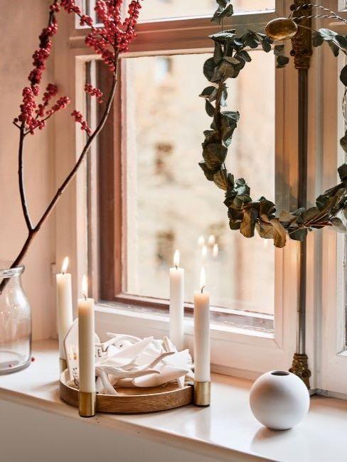 decorazioni natalizie alla finestra