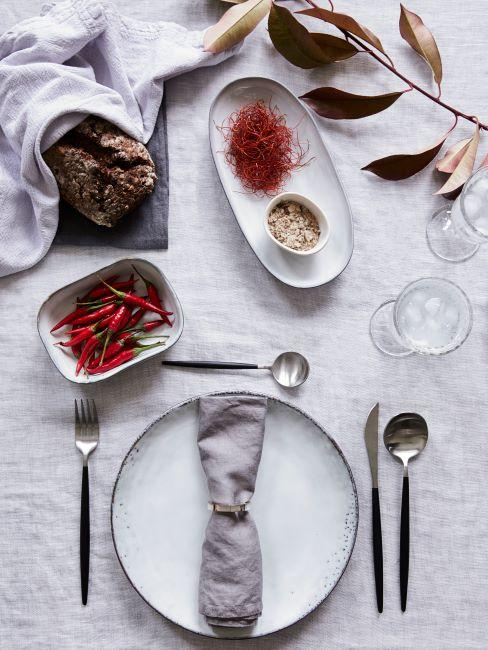 tavola romantica bianca