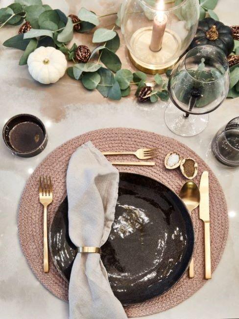 tavola romantica autunno