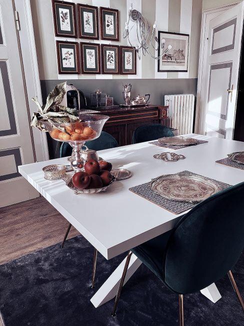 tavolo cucina con sedie in velluto