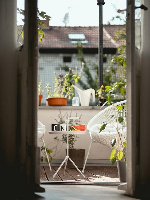balcone con sedia bahia