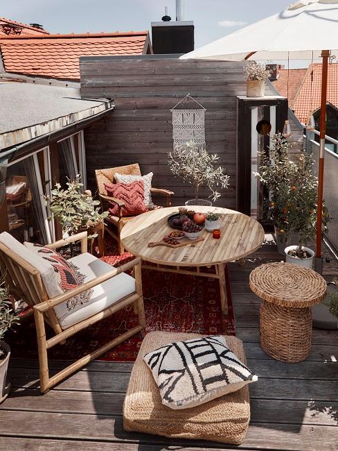 Arredare balcone stretto e lungo