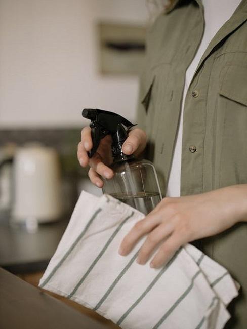 Detergente fai-da-te per mobili laccati