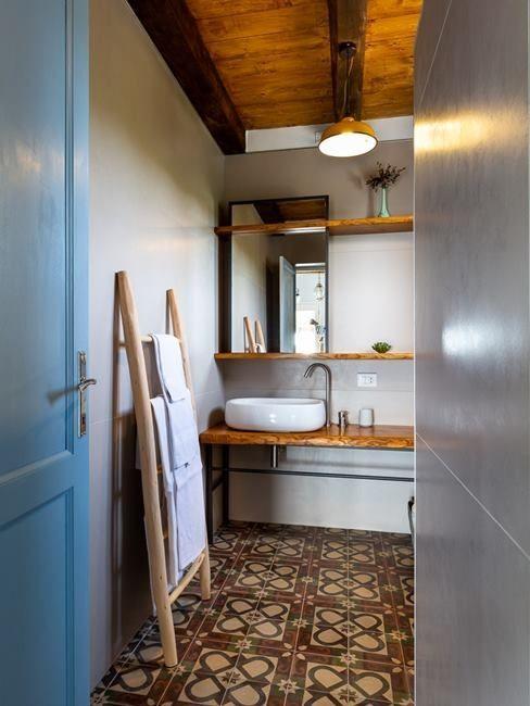 bagno moderno beside bathrooms