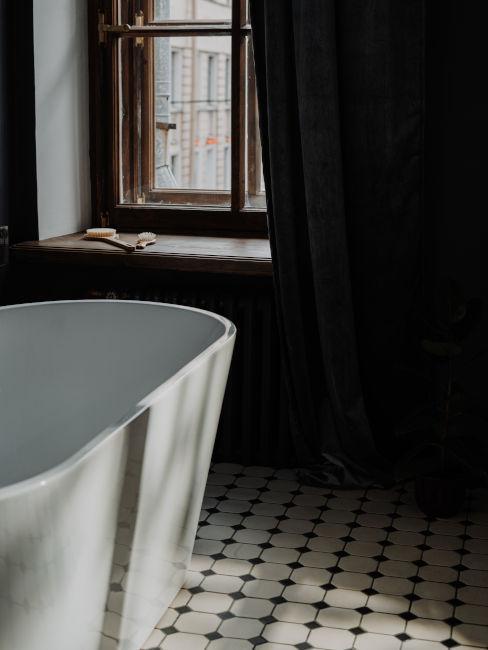 Pavimento antico in bagno