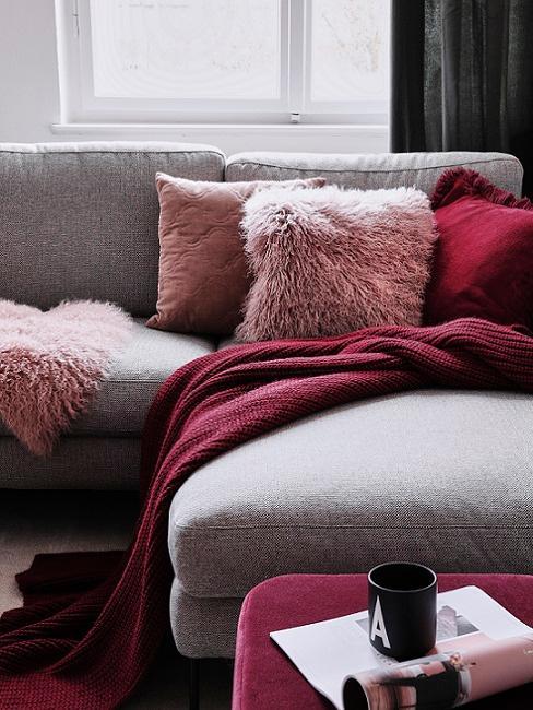 divano cuscini rosso