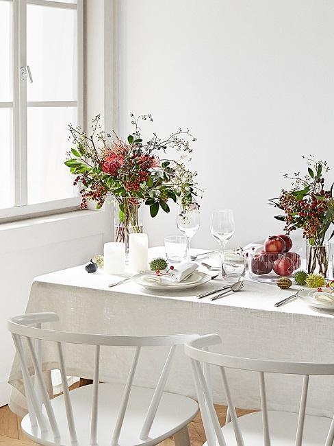 sala da pranzo total whitecon fiori