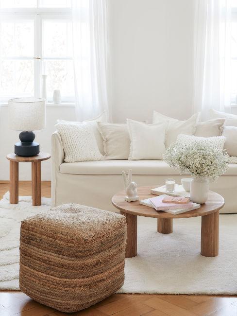 Abbinare il colore bianco a legno e rattan