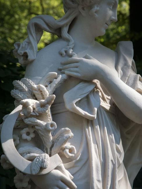Dettaglio statua da giardino