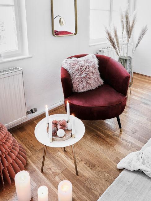 Dettaglio sedia e tavolino