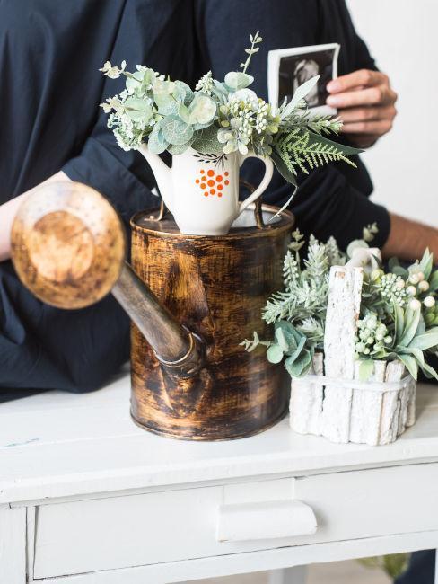 Oggetti riutilizzati come vasi