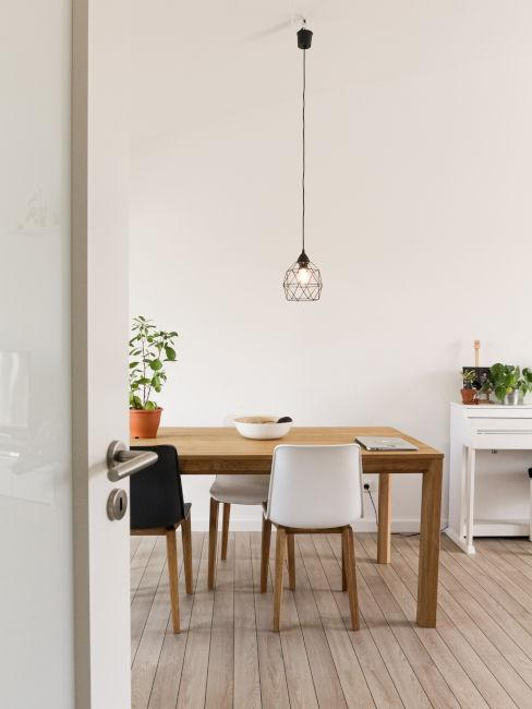 sala da pranzo con colori chiari