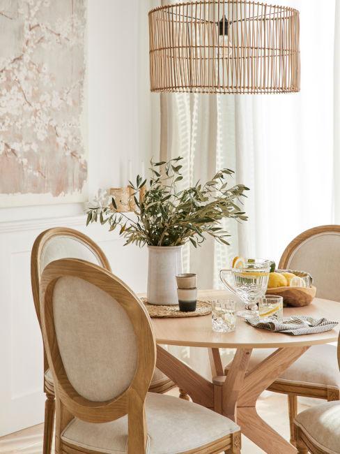 tavolo legno con sedie abbinate