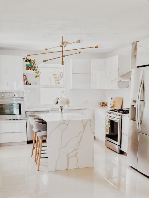 cucina moderna in marmo