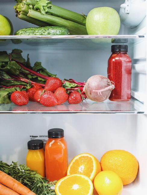 frigorifero con alimenti salutari
