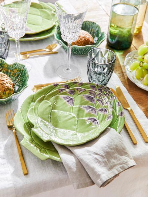 set piatti piante verdi