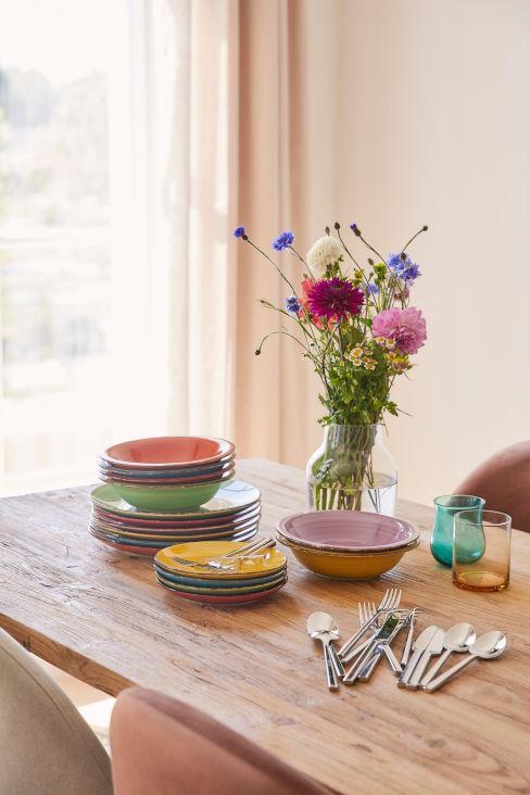 set piatti e accessori per tavola