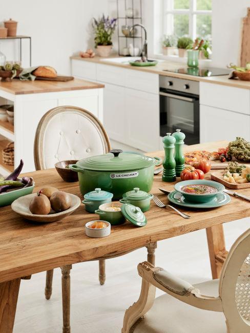 tavolo in legno per cucina abitabile