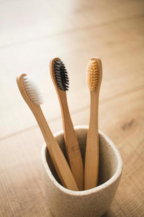 spazzolini in bambu altenativa alla plastica