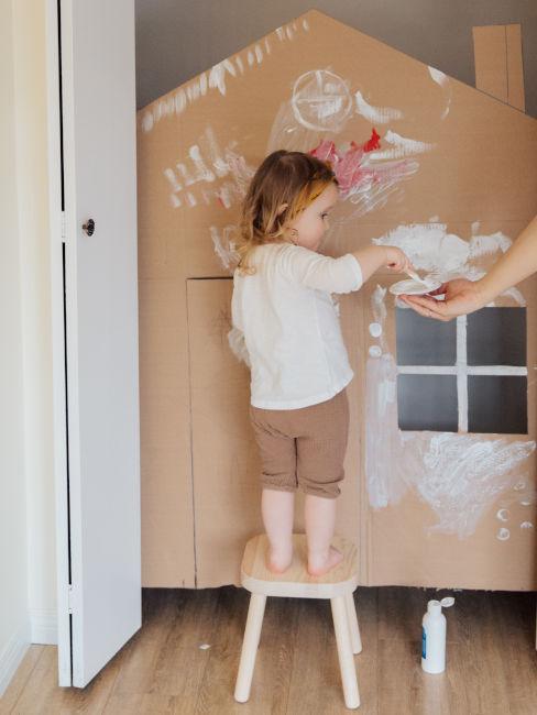 dipingere cartoni con bambini