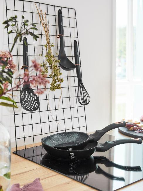 cosa mettere al posto delle piastrelle in cucina