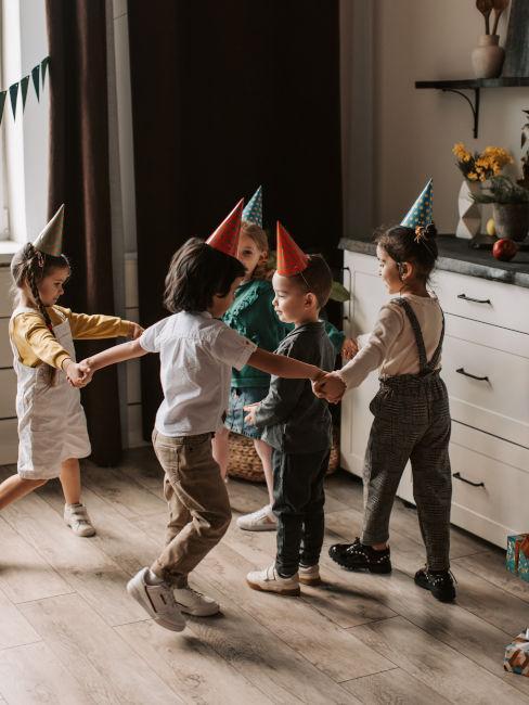 giochi organizzati ad una festa per bambini