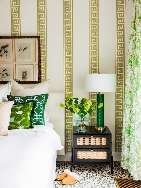 Camera da letto con dettagli verdi