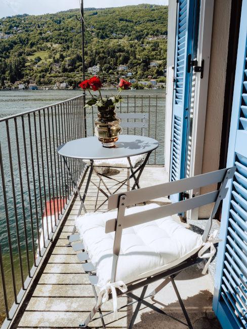 Balcone vista lago