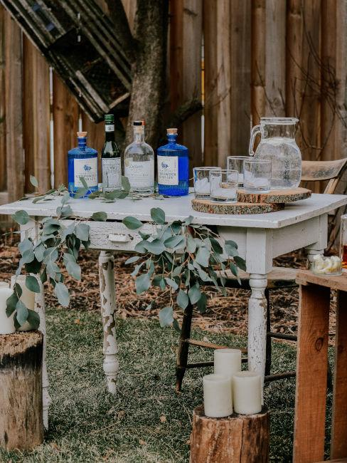 angolo bar rustico per matrimonio nel bosco