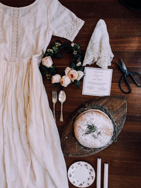 abito bianco e accessori