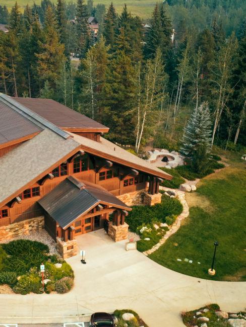 grande rifugio in legno