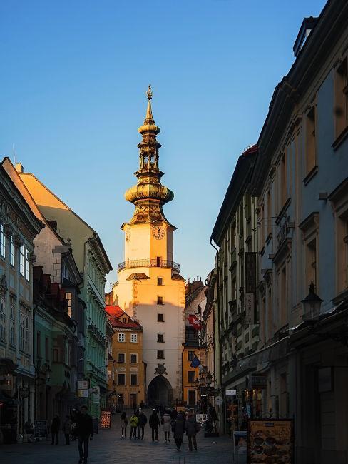 vista su una delle vie di Bratislava