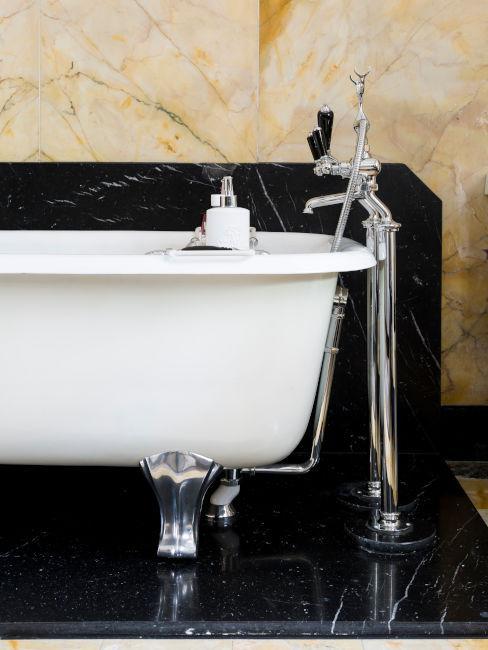vasca bianca con piedini argento