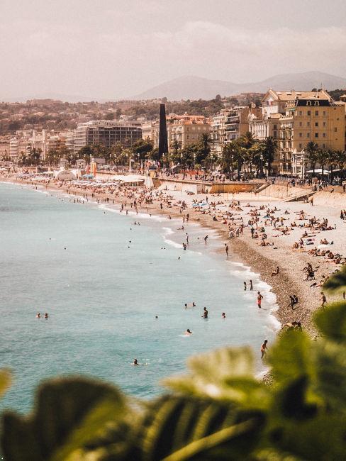 Spiaggia di Nizza vista dall'alto