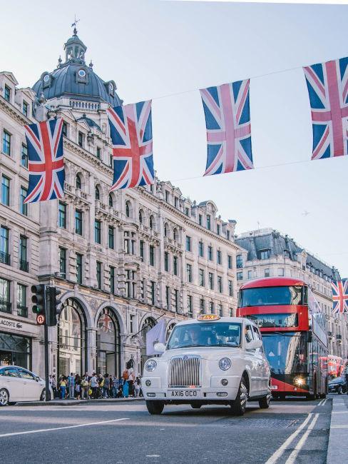 taxi e pullman rosso a Londra