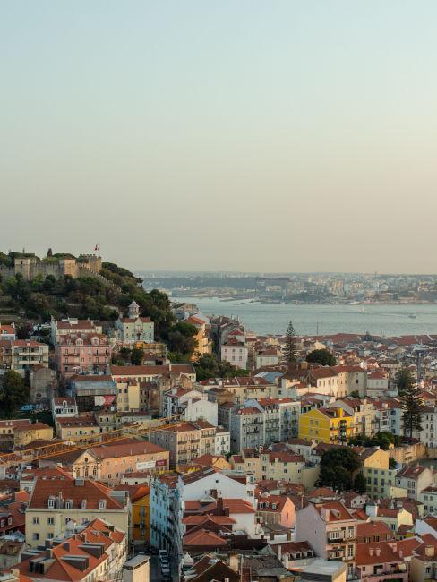 vista dall'alto della città di Lisbona