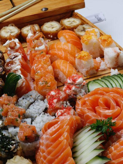 menu giapponese con sushi