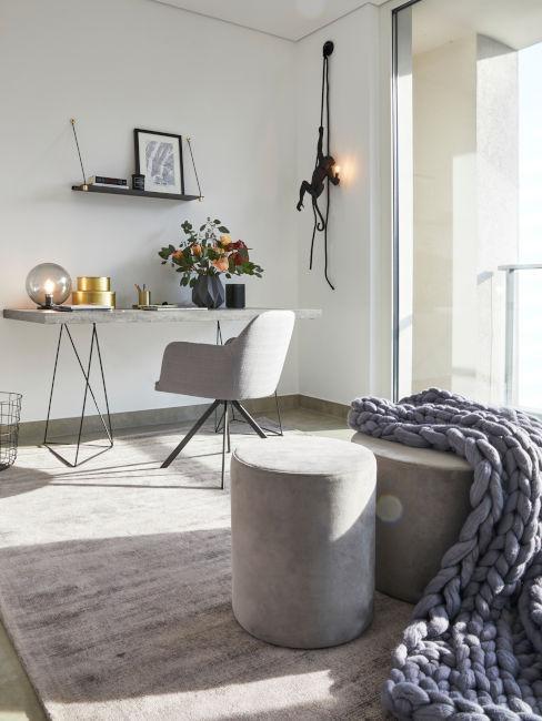 esempio scrivania in camera minimal