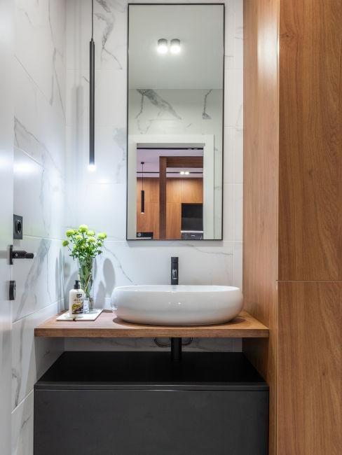 lavabo moderno su scaffale in legno
