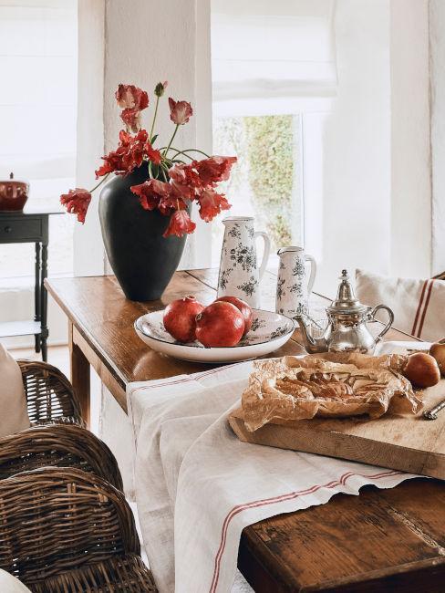 tavolo in legno di ciliegio