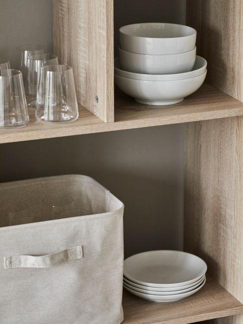 mensole cucina in legno chiaro