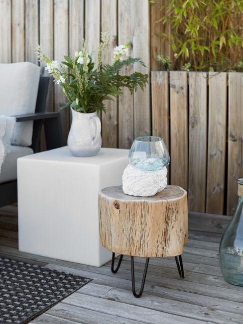 tavolino basso in legno grezzo