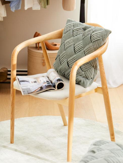 sedie in legno chiaro