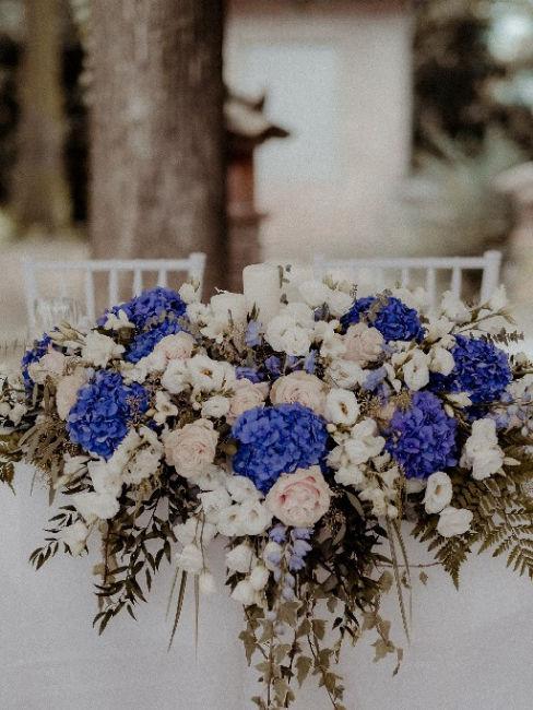 bouquet fiori blu per matrimonio