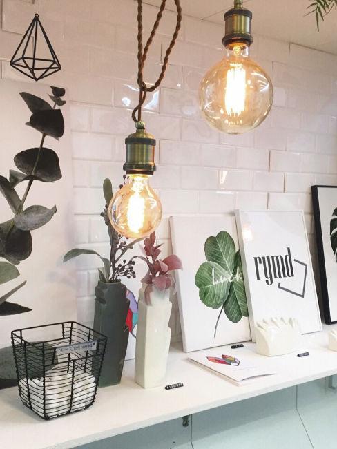 Oggetti decorativi, cornici e lampade