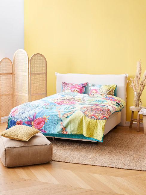 parete camera da letto giallo pastello